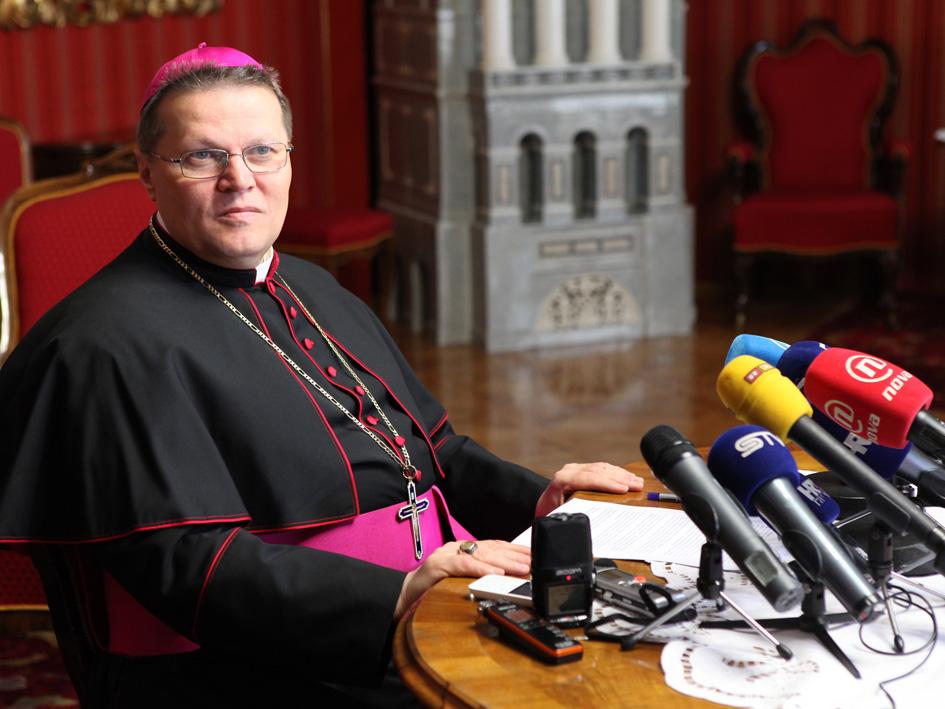 Pastirska božićna poruka nadbiskupa Đure Hranića