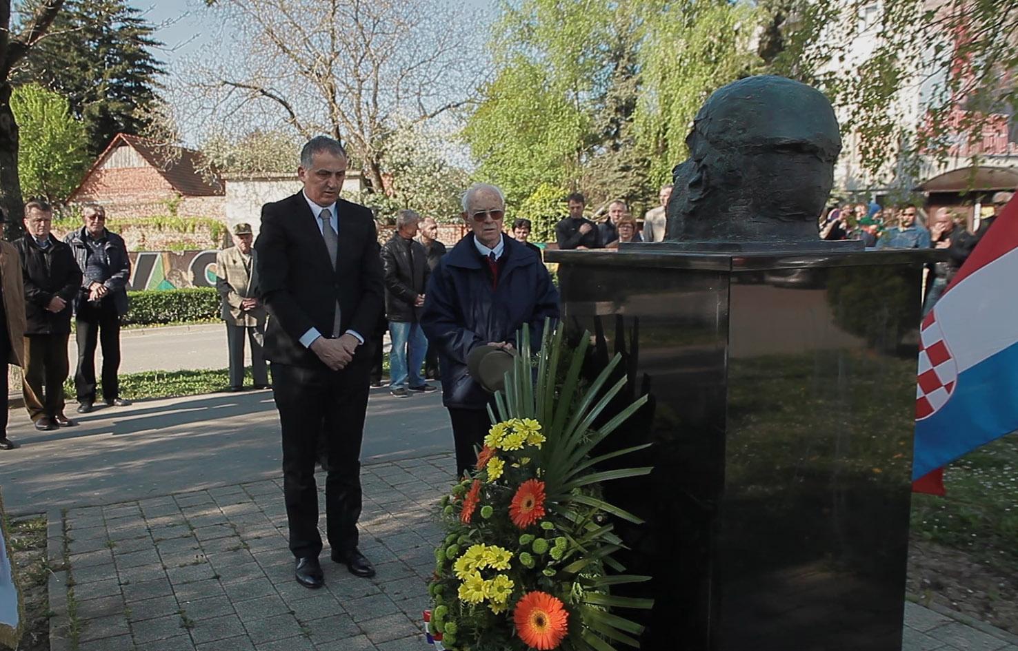 Polaganje vijenaca za žrtve partizanskih zločina