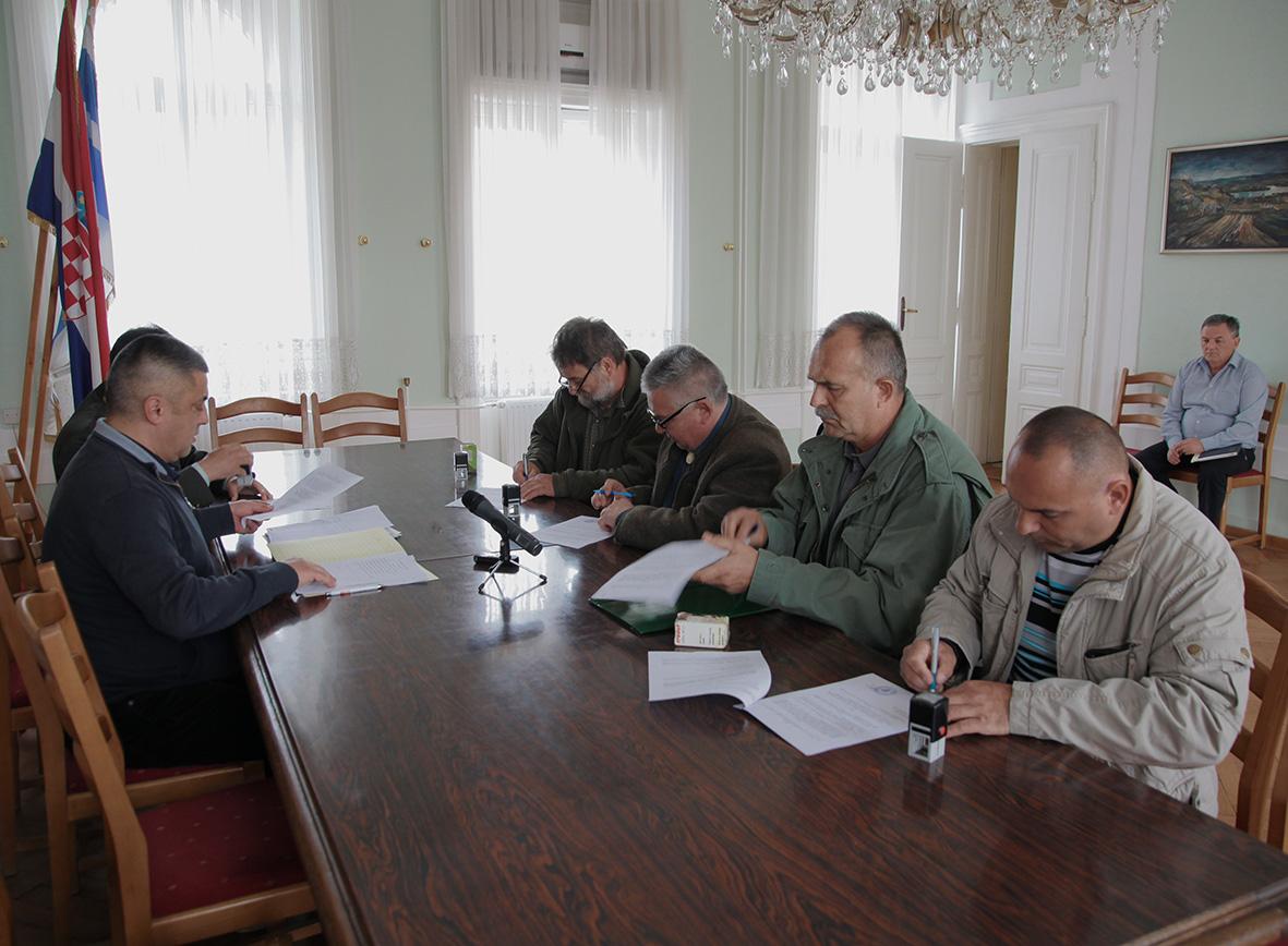 Potpisivanje Ugovora između Grada Đakova i Lovačkih udruga