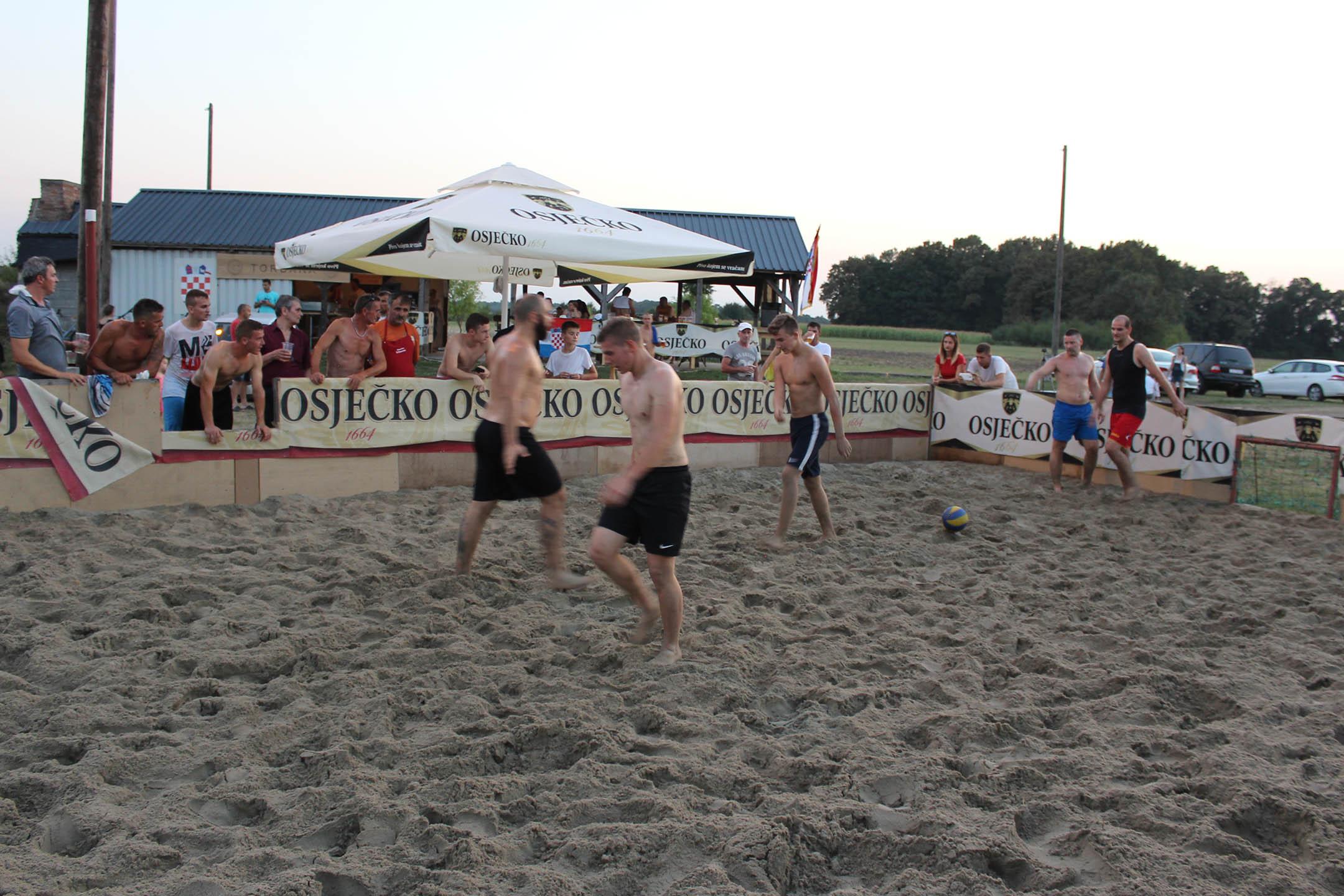 Malonogometni turnir na pijesku u Strizivojni