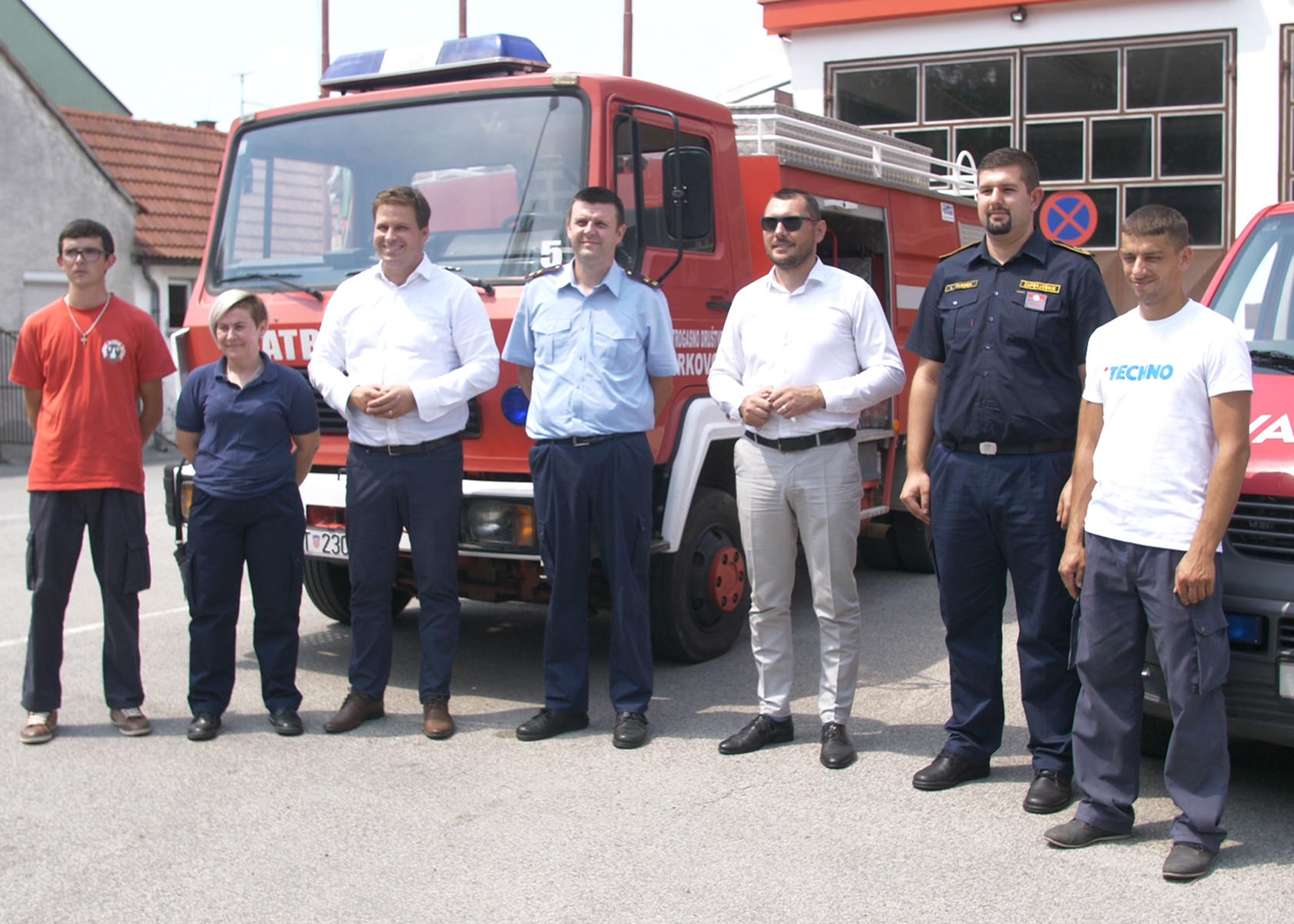 Dodjela vatrogasnih vozila DVD-u Selci Đakovački i DVD-u Novi Perkovci
