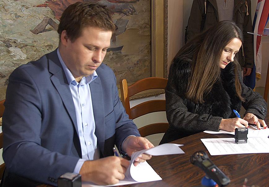 Svečano potpisivanje ugovora s gospodarstvenicima Grada Đakova