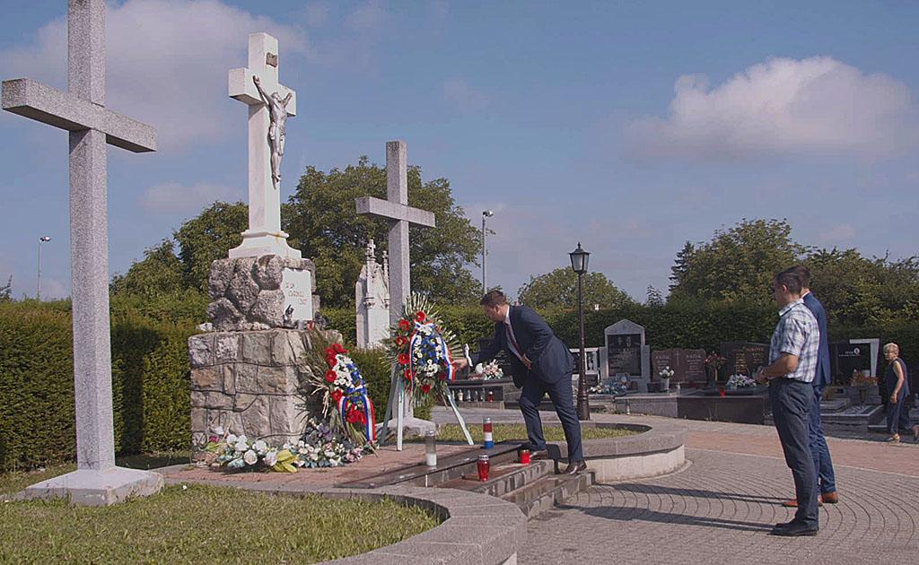 DAN DRŽAVNOSTI 2019. – polaganje vijenaca na Gradskom groblju u Đakovu