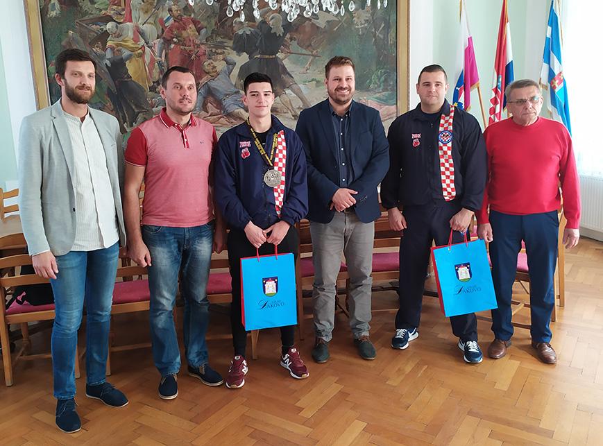 Andrej Kedveš – Prijem kod gradonačelnika Đakova Marina Mandarića